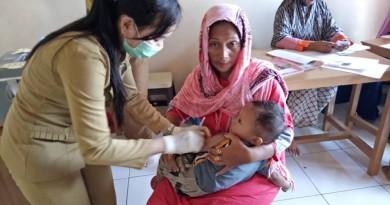 Kegiatan Pemberian Vaksin MR di Posyandu Mawar Merah